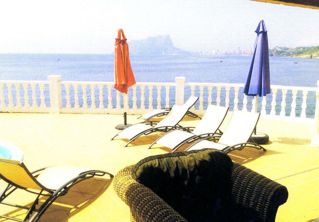 Villa de luxe située en première ligne de la mer