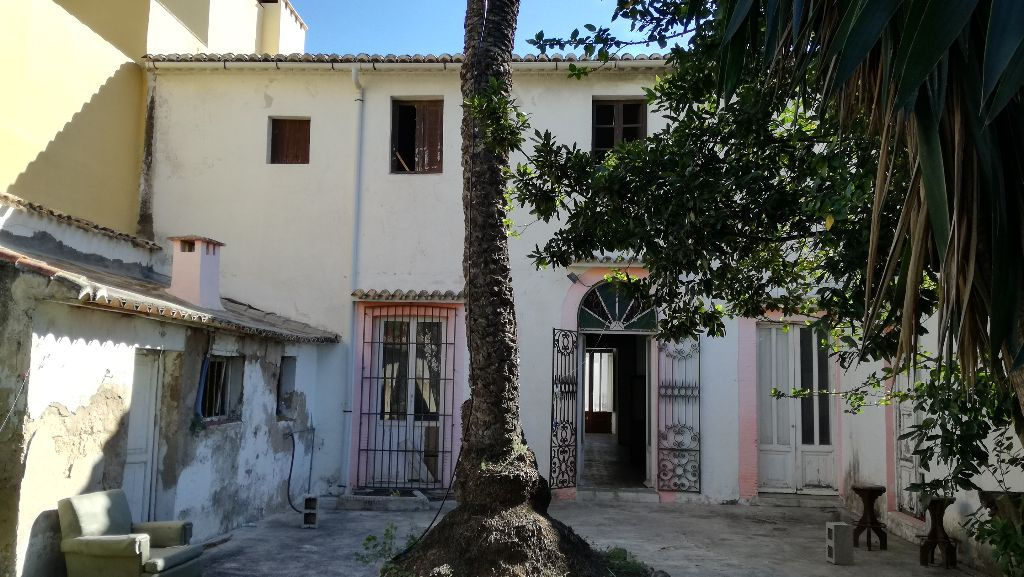 Casa antigua con encanto