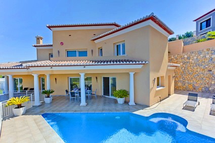 Luxury villa with fantastic sea views